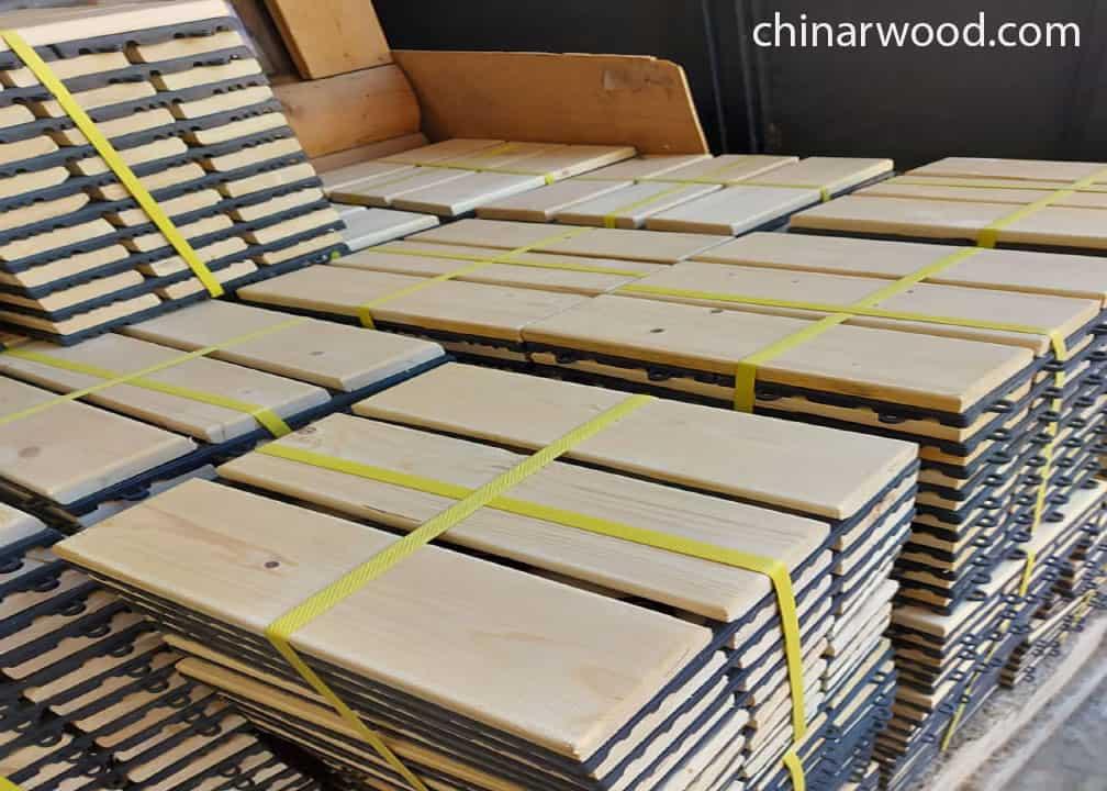 یکی از انواع چوب روس،تایل کف پوش می باشد.